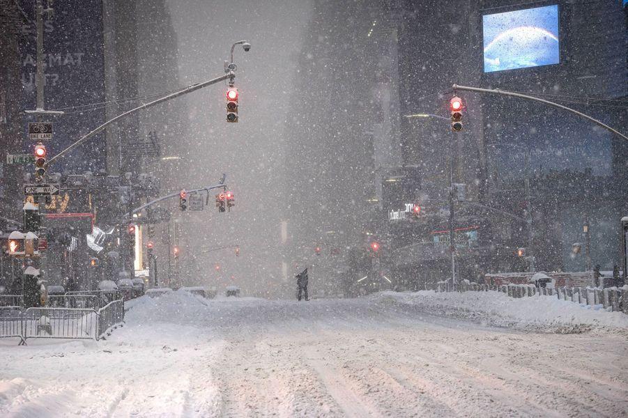 Times Square sous la neige à New York.