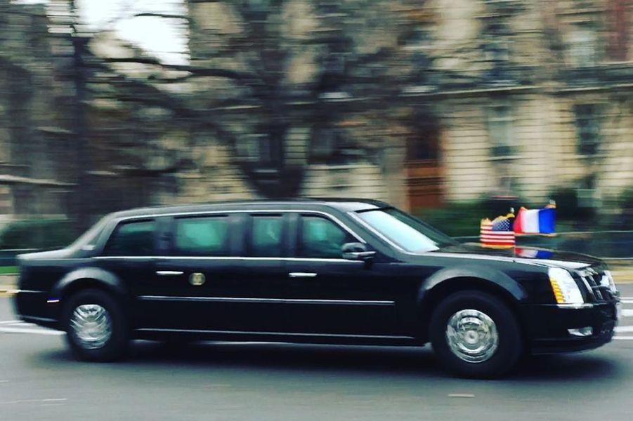 La voiture de Barack Obama dans Paris
