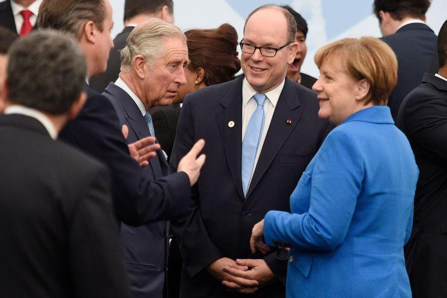 Le Prince Charles, le prince Albert II de Monaco et la Chancelière allemande Angela Merkel