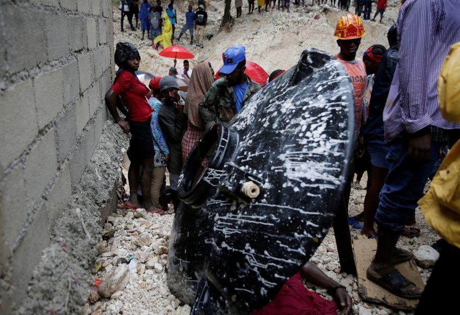 le corps d'une femme sans vie est retrouvé à Port-au-Prince.