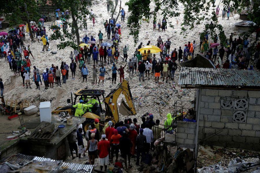 À Port-au-Prince, l'heure est au nettoyage des dégâts.