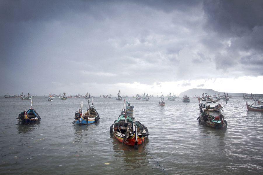 Des pêcheurs sur l'île de Java.