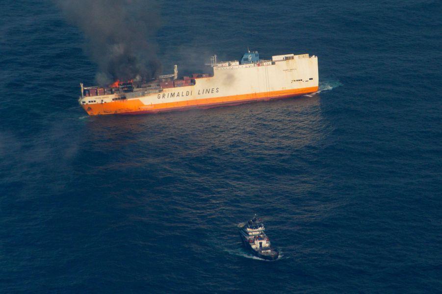 Le «Grande America» sur un cliché de la Marine nationale daté de lundi 11 mars.