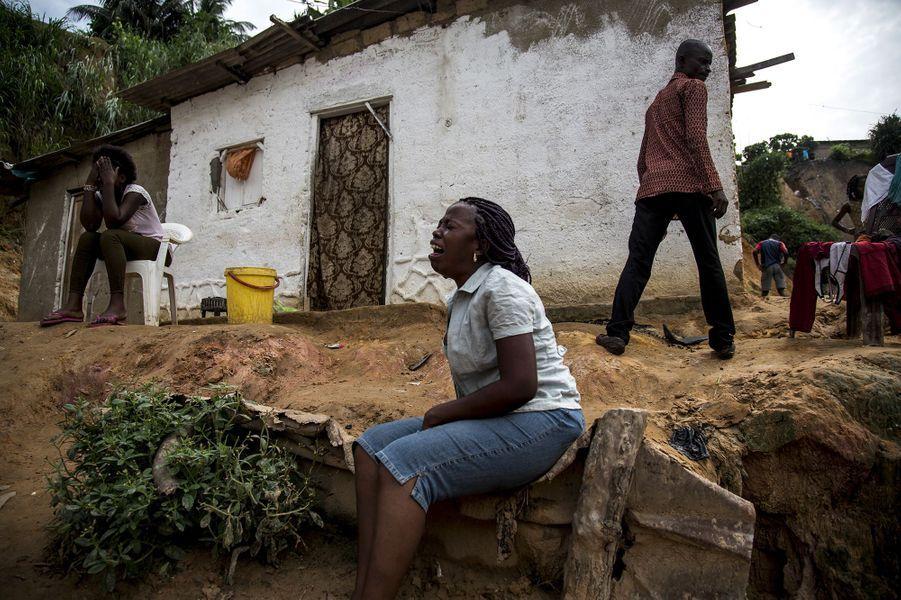 Dans la nuit du 4 au 5 janvier, des pluies diluviennes tombent sur Kinshasa (République démocratique du Congo), faisant 44 morts. Des torrents d'eau traversent les quartiers populaires et des habitations fragiles construites en zones dangereuses. C'est l'apocalypse.