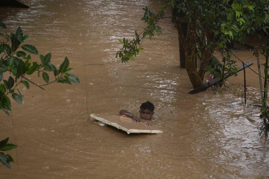 Manille, le 12 novembre 2020 après le passage du typhon Vamco.