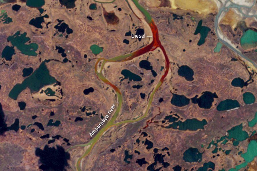Le 29 mai, l'un des réservoirs dedieseld'une centrale thermique appartenant à une filiale du géant minier Norilsk Nickel s'est effondré, provoquant une fuite de 15.000 tonnes d'hydrocarbures dans le cours d'eau voisin et de 6.000 tonnes sur le terrain environnant.
