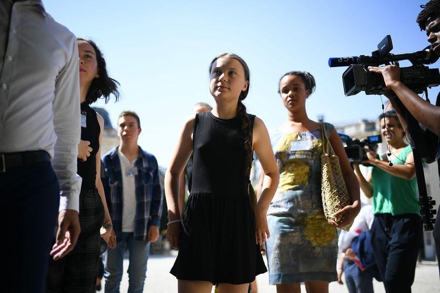 Greta Thunberg et les jeunes du collectif Youth For Climate à l'Assemblée nationale, le 23 juillet 2019.