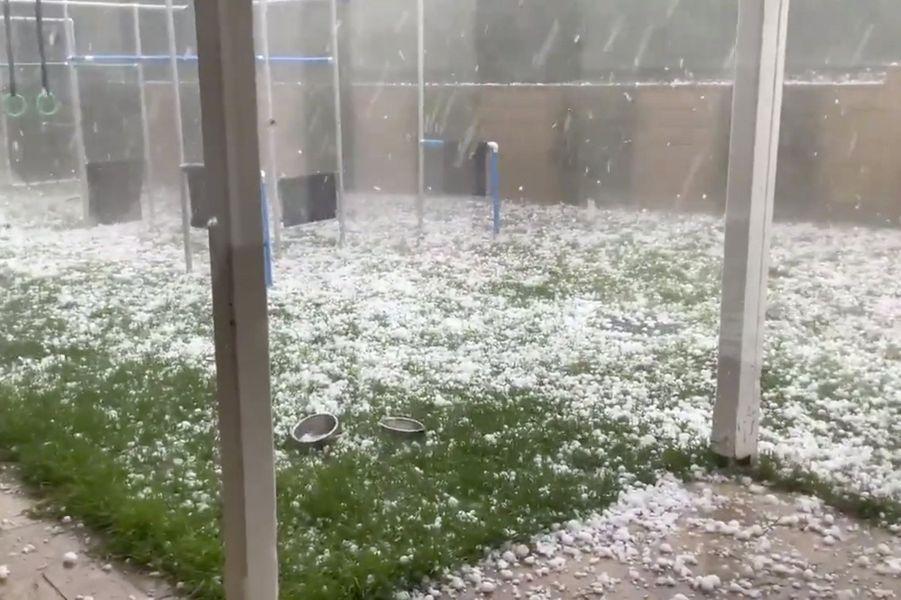 Déluge de grêle à Warrandyte, Victoria.