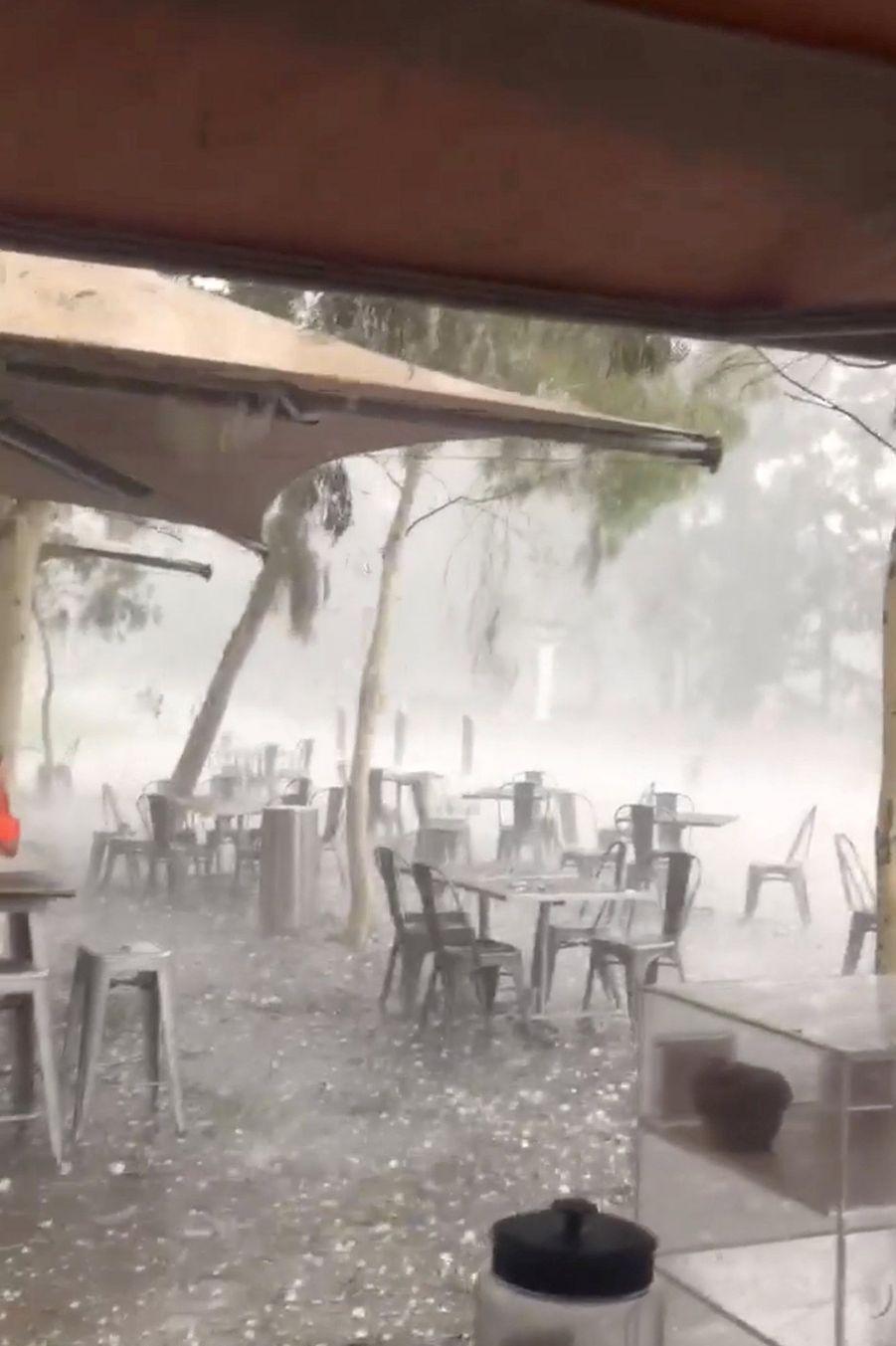 Pendant la tempête à Canberra.