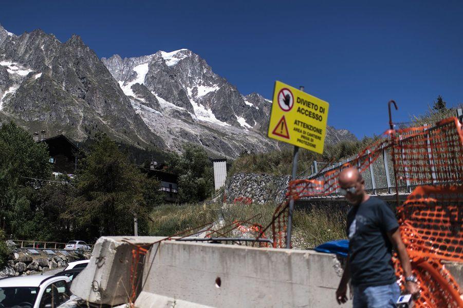 Un volume de glace estimé à 500.000 mètres cube serait sur le point de se détacher du glacier de Planpincieux, sur le massif du Mont Blanc.