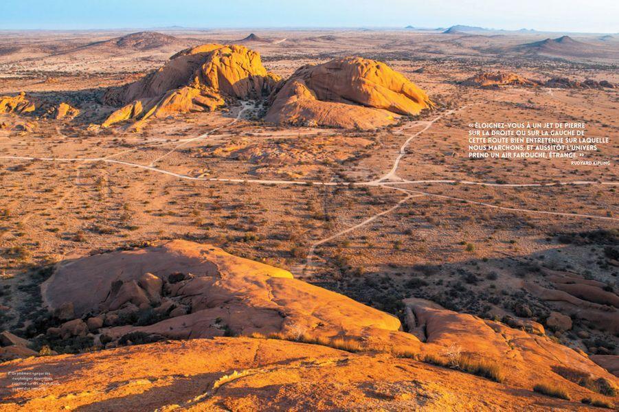 Un pédiment typique des morphologies désertiques, constitué sur des roches dures au pied d'un inselberg.