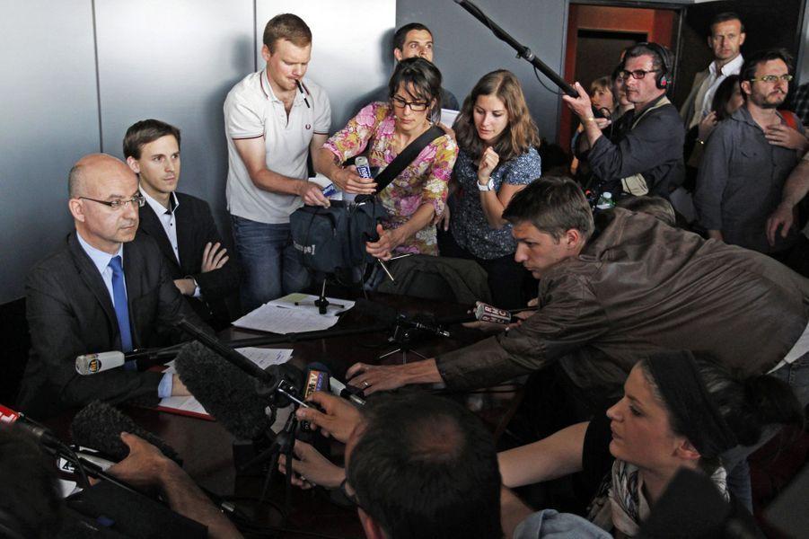 Le 22 avril 2011, le procureur de la République de Nantes Xavier Ronsin parle à la presse.