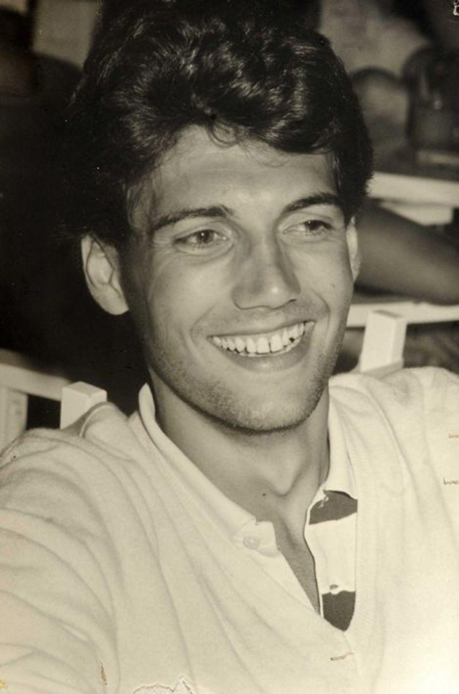 Xavier Dupont de Ligonnès, le principal suspect dans le meurtre de sa femme et de ses quatre enfants.