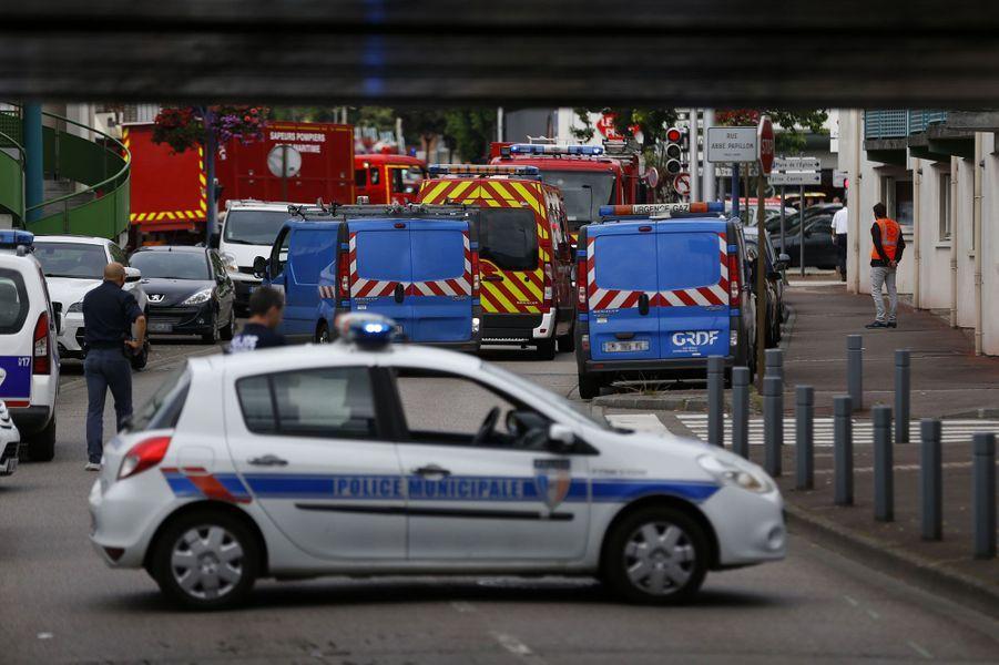 En images: l'horreur à Saint-Etienne-du-Rouvray