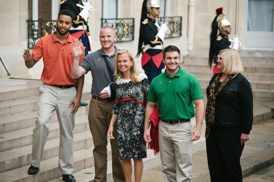 Anthony Sandler, Spencer Stone, l'ambassadrice des Etats-Unis en France, Jane Hartley et Alek Skarlatos