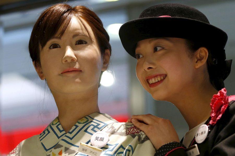 Au Japon, l'hôtesse est un robot