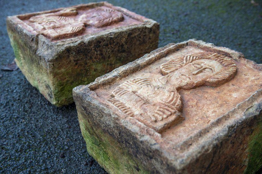 Ces deux oeuvres d'art, dont une représente Jeanl'évangéliste, avaient été dérobées en 2004 par des voleurs d'art professionnels dans l'église Santa Maria de Lara, près de Burgos dans le nord de l'Espagne.