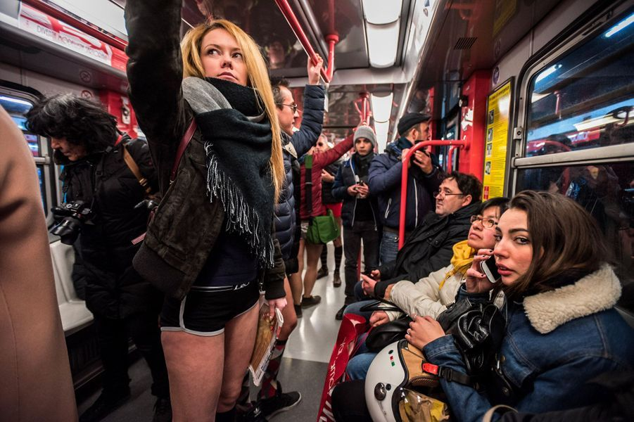Dans le métro de Milan.
