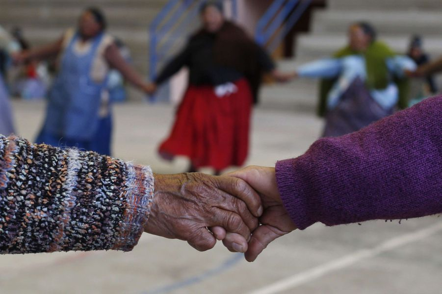 A El Alto avec les grands-mères handballeuses