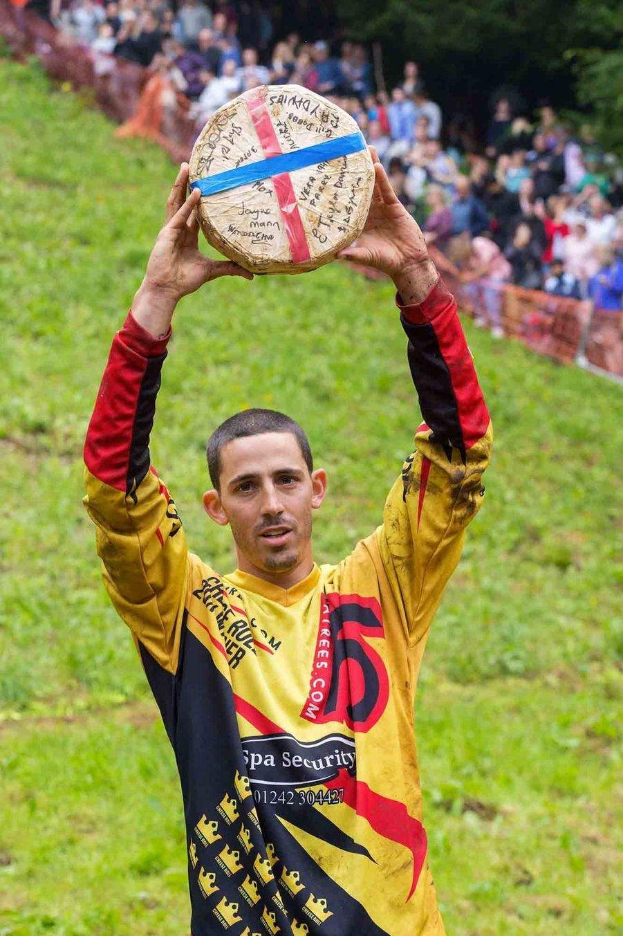 Chris Andreson, victorieux au Gloucestershire Cheese Rolling.