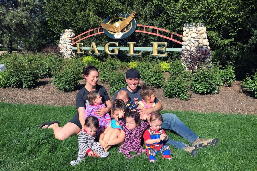 La vie de Chad et Amy a changé le jour où ils ont appris la future naissance de quintuplés... alors qu'ils avaient déjà deux enfants.
