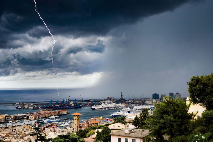 Quand une tornade menace la ville de Gênes