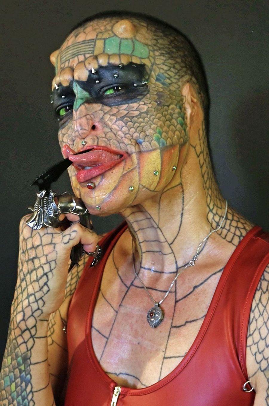 Richard Hernandez est devenu Eva Tiamat Medusa, la femme-dragon.