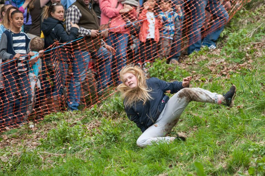 La course du lancer de fromage a eu lieu lundi