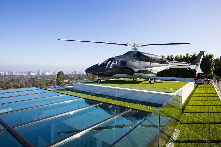 L'hélicoptère sur le toit