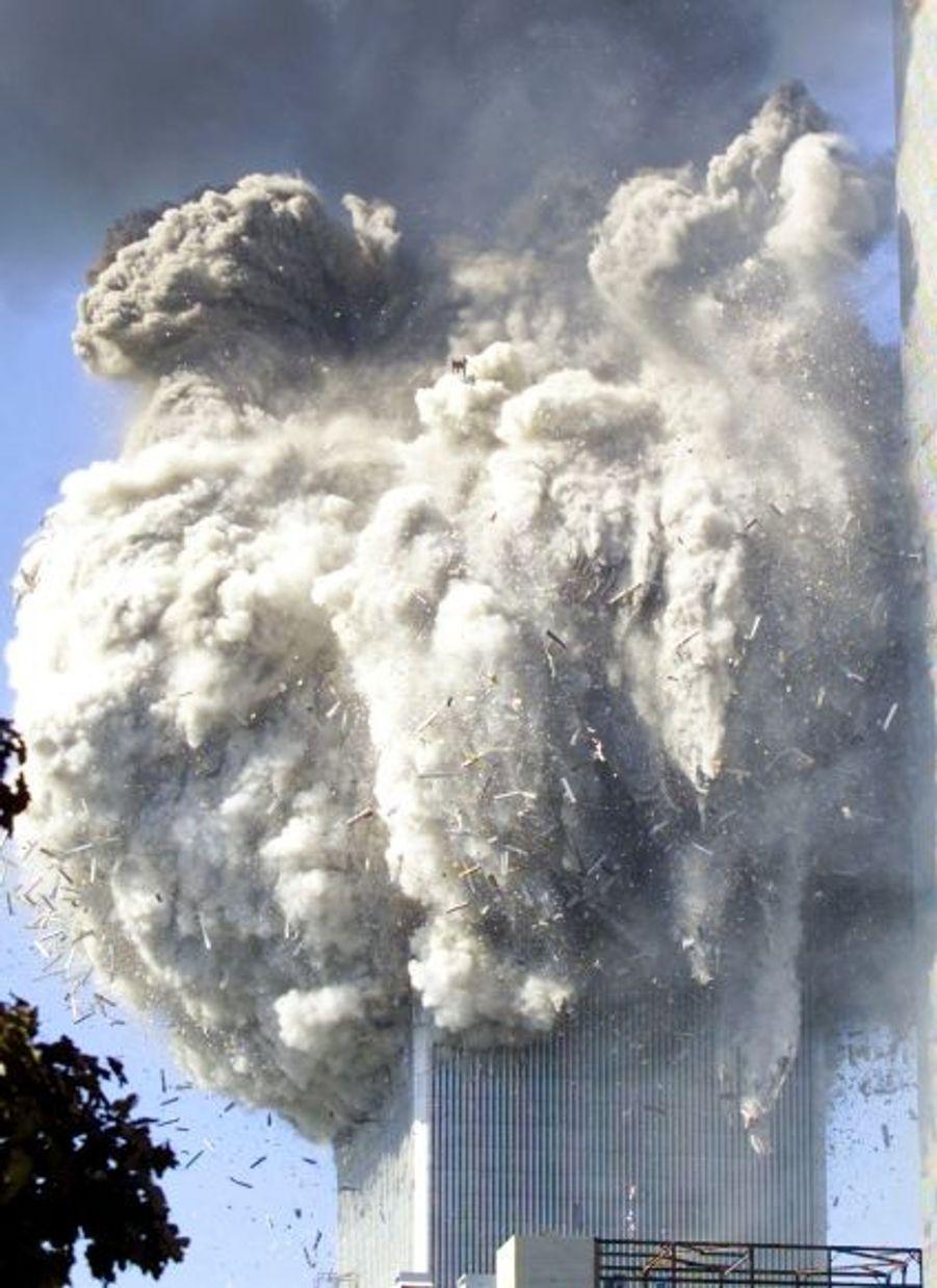 Même Ben Laden ne l'avait pas prévu: les deux plus hautes tours du World Trade Center ne sont plus qu'un amas de ruines