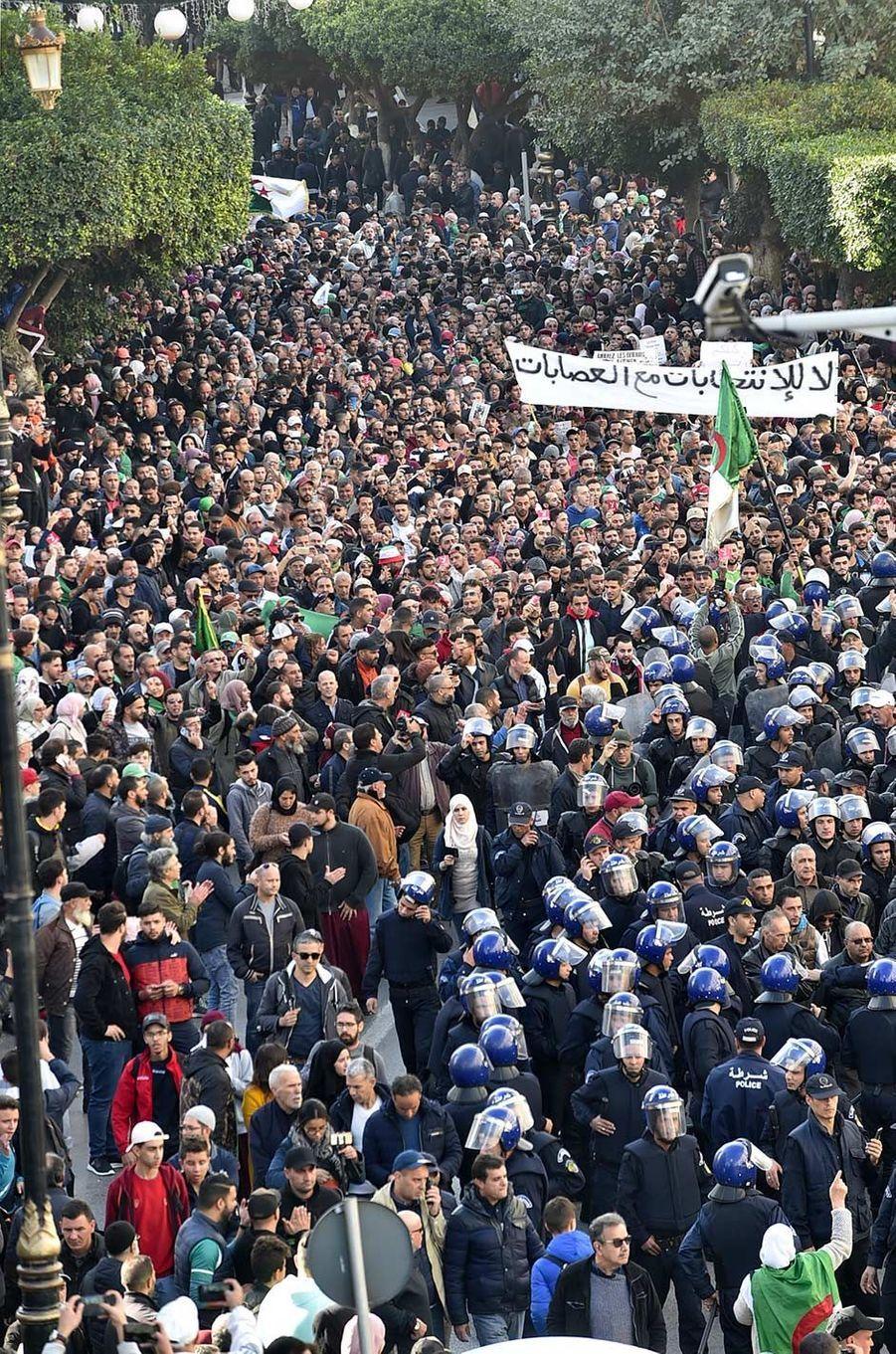 Manifestation à Alger, en Algérie, le 11 décembre 2019.