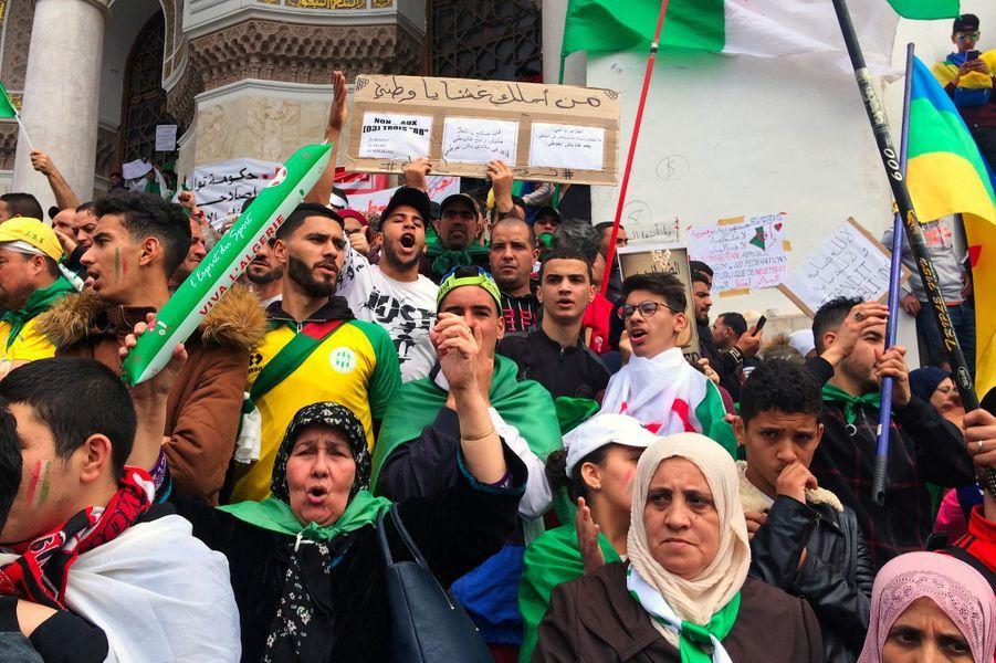 Manifestation à Alger, en Algérie, le 5 avril 2019.
