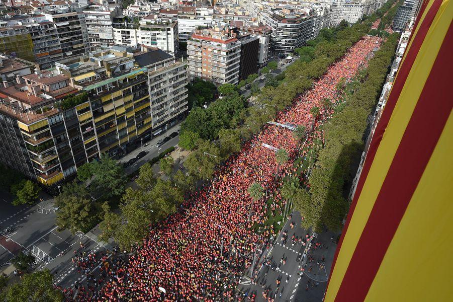 Près d'un million de Catalans ont défilé, mardi, à Barcelone, pour réclamer l'indépendance de la Catalogne.