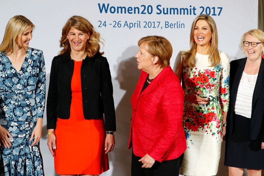 Ivanka Trump,Stephanie Bschorr, Angela Merkel et la reine Maxima des Pays-Bas au sommet Women 20 à Berlin, le 25 avril 2017.