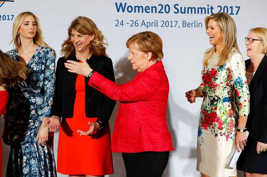 Ivanka Trump, Stephanie Bschorr, Angela Merkel et la reine Maxima des Pays-Bas au sommet Women 20 à Berlin, le 25 avril 2017.