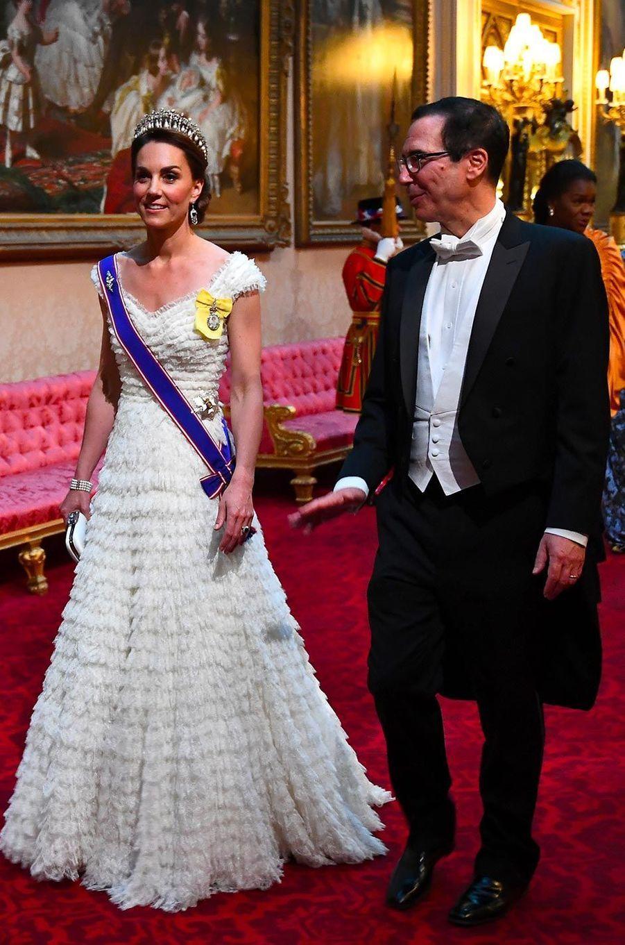 Kate, la duchesse de Cambridge, et Steve MnuchinàBuckingham Palace, le 3 juin 2019.