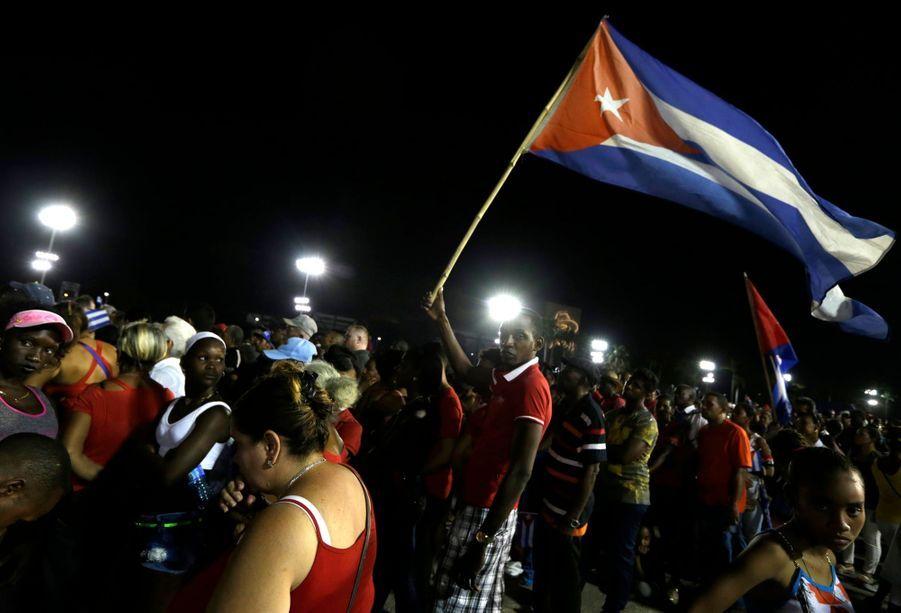 A Cuba, Des Funérailles Dans L'intimité Pour Fidel Castro 11
