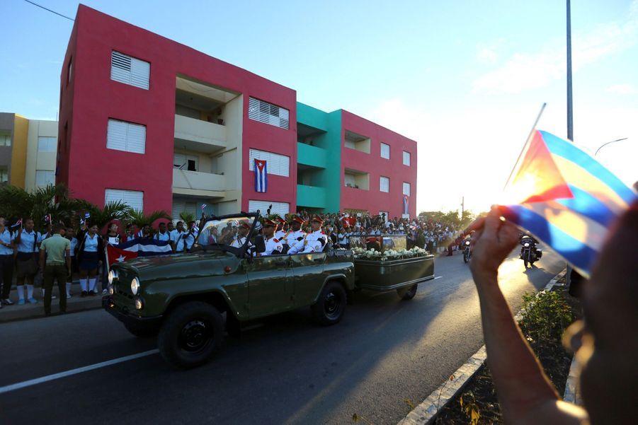 A Cuba, Des Funérailles Dans L'intimité Pour Fidel Castro 14