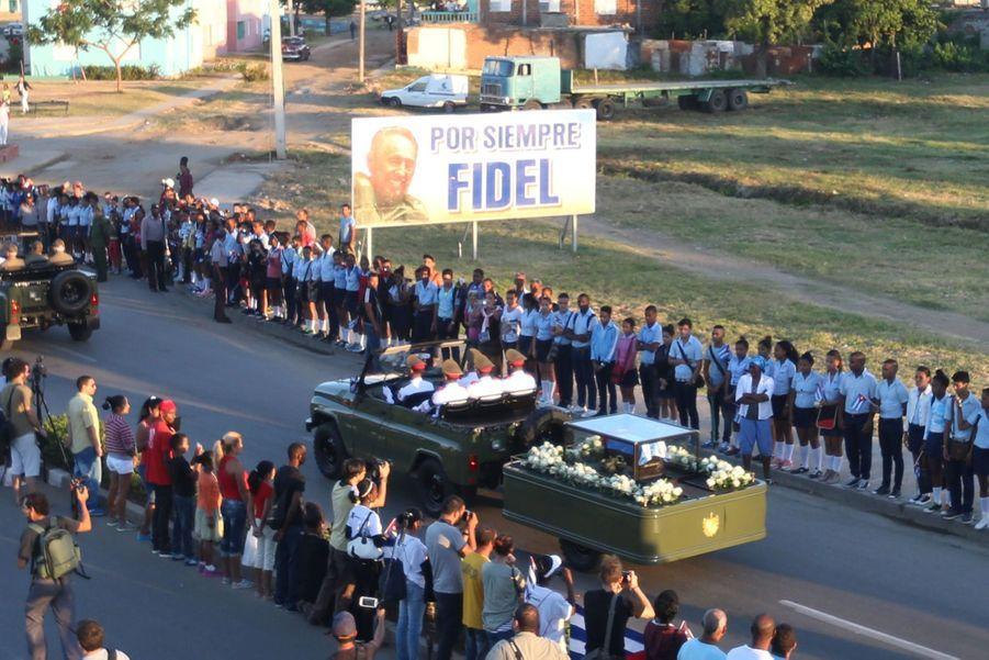A Cuba, Des Funérailles Dans L'intimité Pour Fidel Castro 15