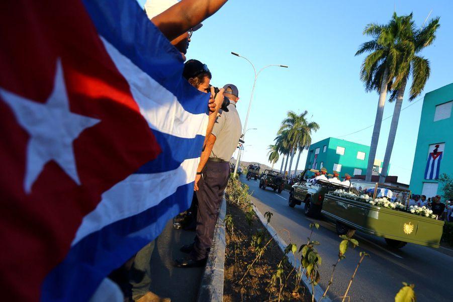 A Cuba, Des Funérailles Dans L'intimité Pour Fidel Castro 16