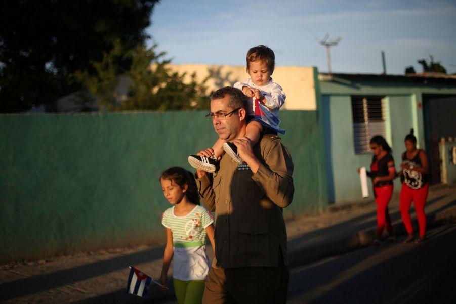 A Cuba, Des Funérailles Dans L'intimité Pour Fidel Castro 21