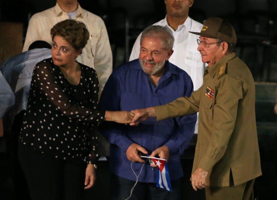 A Cuba, Des Funérailles Dans L'intimité Pour Fidel Castro 3