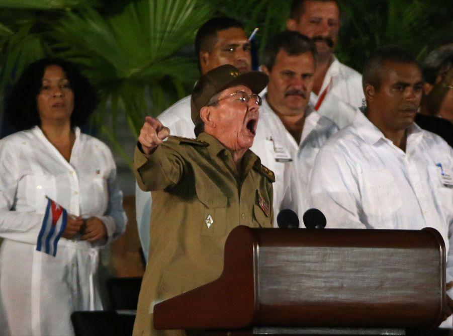 A Cuba, Des Funérailles Dans L'intimité Pour Fidel Castro 4