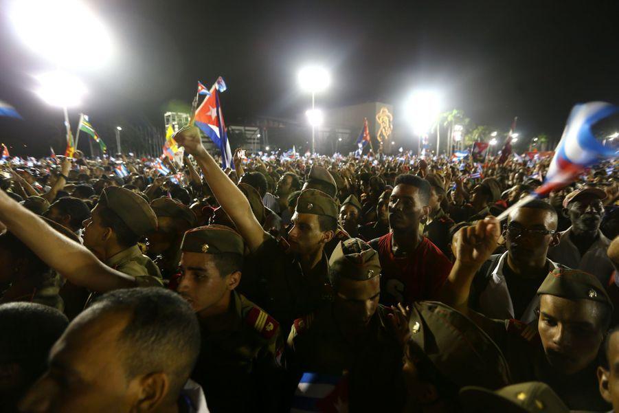A Cuba, Des Funérailles Dans L'intimité Pour Fidel Castro 6