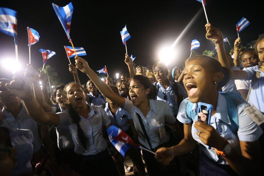 A Cuba, Des Funérailles Dans L'intimité Pour Fidel Castro 7