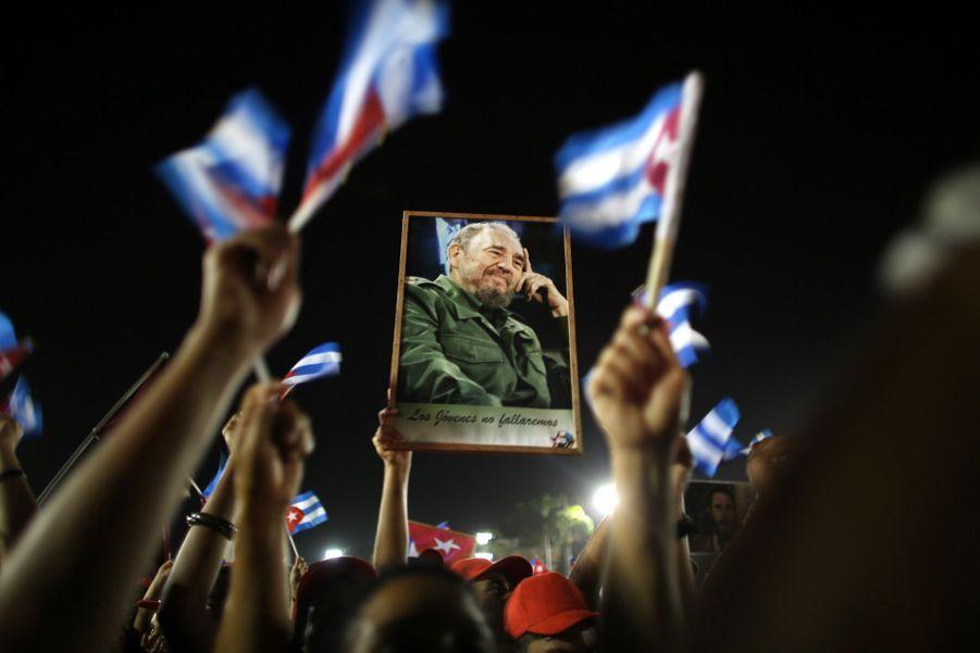 A Cuba, Des Funérailles Dans L'intimité Pour Fidel Castro 9