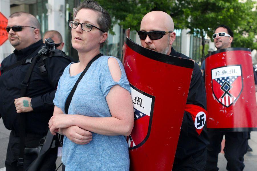 Une douzaine de néo-nazis a tenté de perturber la marche des fiertés à Detroit, le 8 juin 2019.