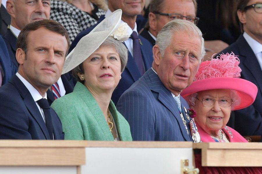 Emmanuel Macron, Theresa May, le prince Charles et la reine Elizabeth II.