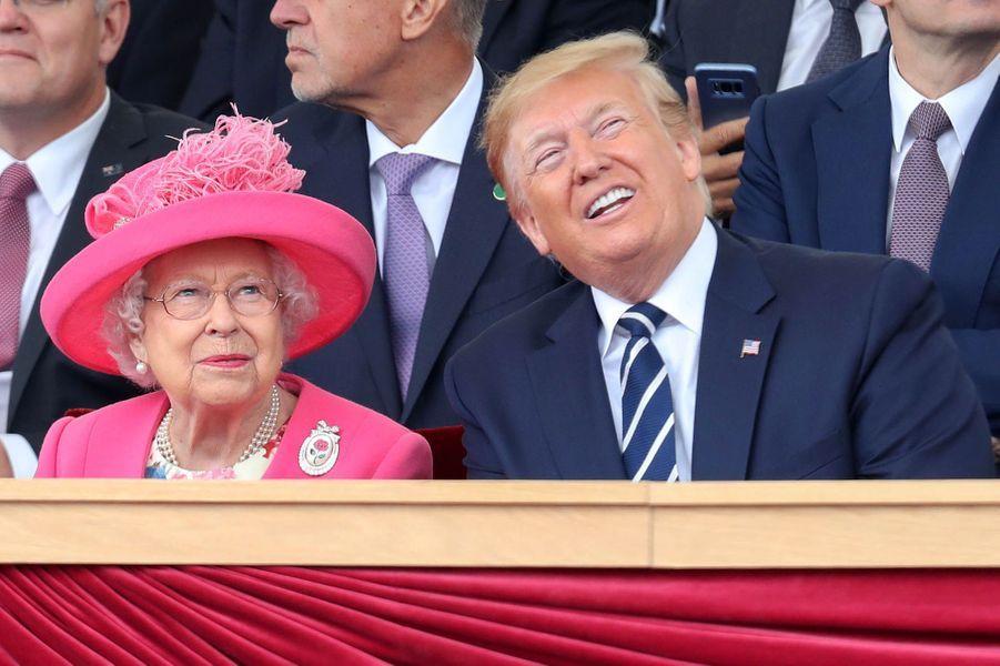ElizabethII et Donald Trump.