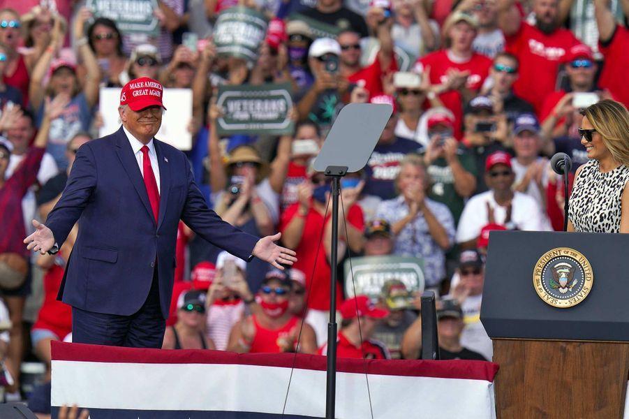 Melania et Donald Trump ont participé à un meeting à Tampa, en Floride, le 29 octobre 2020.